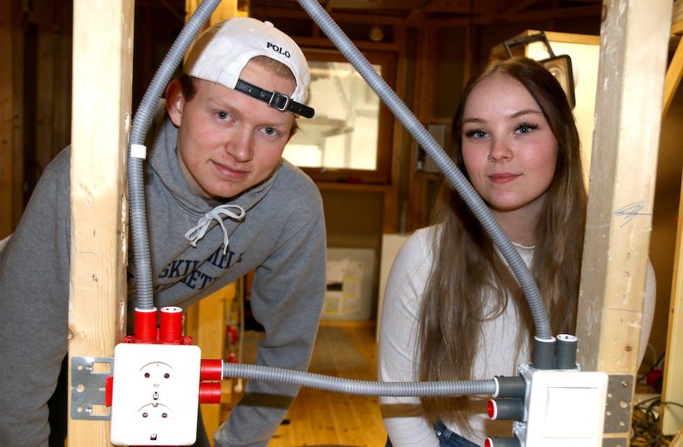 Elektro-elevane Eirik Espevik (17) ogSilje Ørnes Opheim (18) er klare for to og eit halvt år i lære i bedrift. Dei vil ha gode jobbmulegheiter i ein bransje som har stort behov for fagfolk.