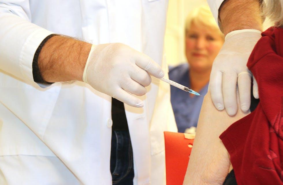 Ifølge prognosane frå Folkehelseinstituttet, får Sauda 1842 vaksinedosar i løpet av dei neste vekene.