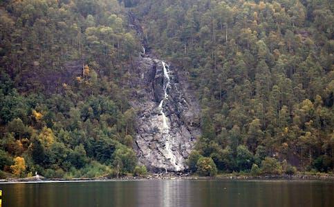Ein svært nedbørsfattig august har redusert Sagfossen til ein sildrebekk.